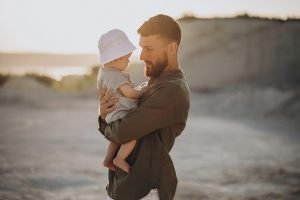Residencia y Trabajo para Progenitor de Menor de Edad Europeo